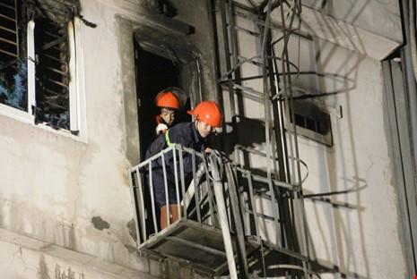 Hoang tàn sau vụ cháy kinh hoàng quán karaoke ở Hà Nội - ảnh 6