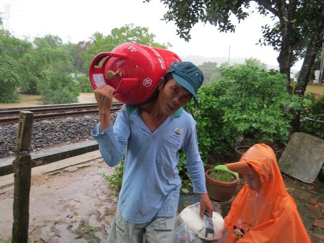 Lu ngap xe khach o Phu Yen hinh anh 5