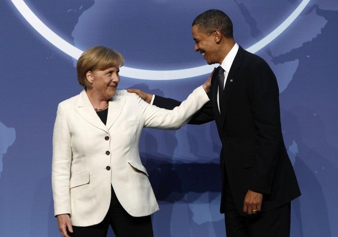 Bà Merkel được ông Obama chào đón khi tới dự hội nghị thượng đỉnh an ninh hạt nhân ở Washington, ngày 12/4/2010 - Ảnh: Reuters.