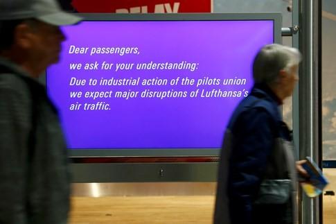 Gần 900 chuyến bay bị hủy vì nhân viên hãng bay Đức đình công - ảnh 1