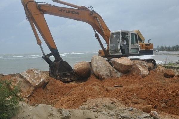 'Lời nguyền biển cả': Sóng cuốn ngàn tỷ, đại gia trắng tay