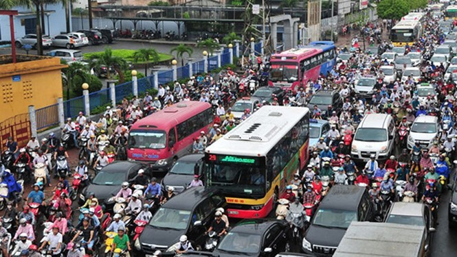 Giảm ùn tắc giao thông: Khống chế phương tiện cho từng khu vực