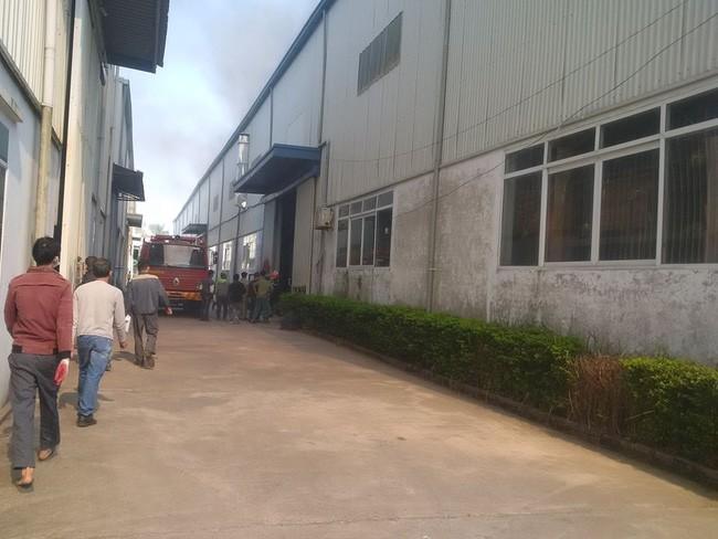 Hà Nội: Đang cháy lớn ở KCN Ngọc Hồi - Ảnh 5.