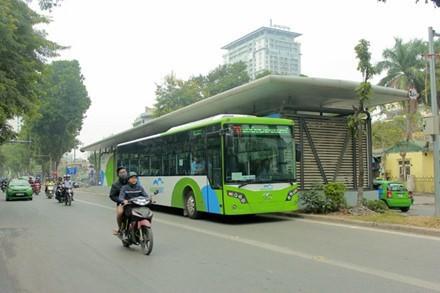 Làm mọi cách buýt nhanh vẫn... không nhanh hơn buýt thường