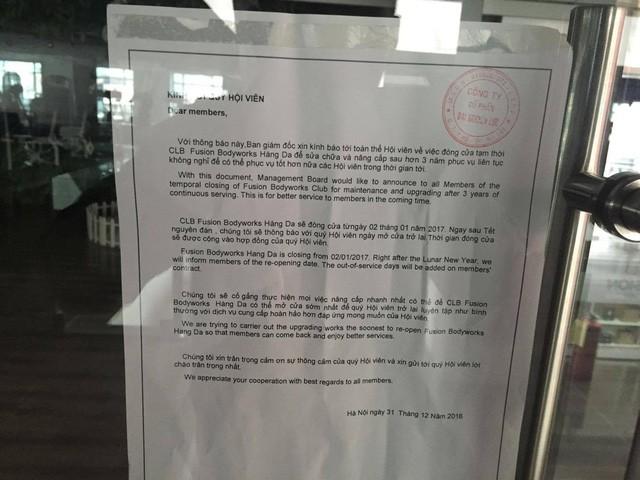 Thông báo được dán trên cơ sở chợ Hàng Da