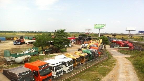 """Hà Nội: Xuất hiện bãi xe """"khủng""""' trái phép trên đất nông nghiệp"""