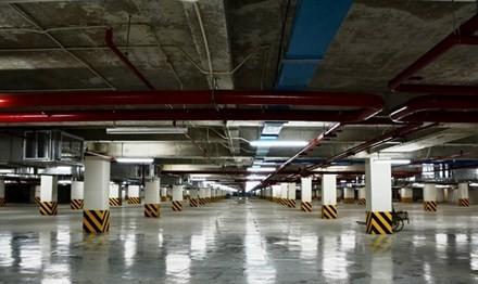 """TPHCM: Nhiều bãi đỗ xe """"chết lâm sàng"""""""