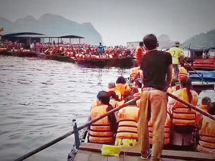 Du khách Trung Quốc kẹt cứng cửa khẩu Móng Cái và vịnh Hạ Long ảnh 7