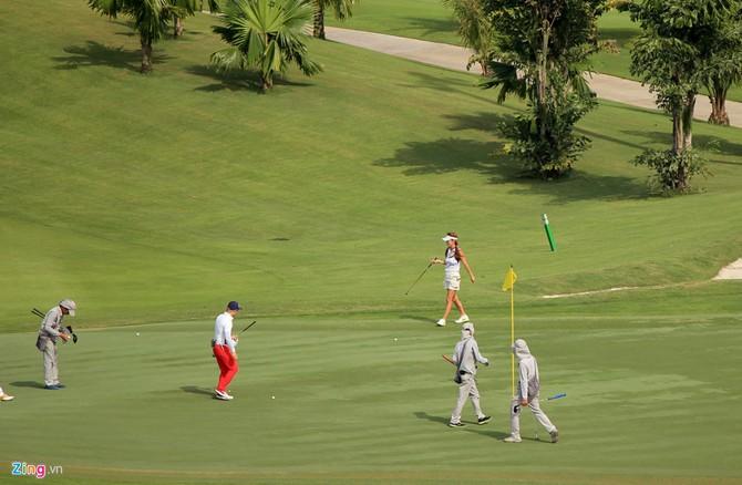 Can canh san golf sat duong bang Tan Son Nhat hinh anh 14