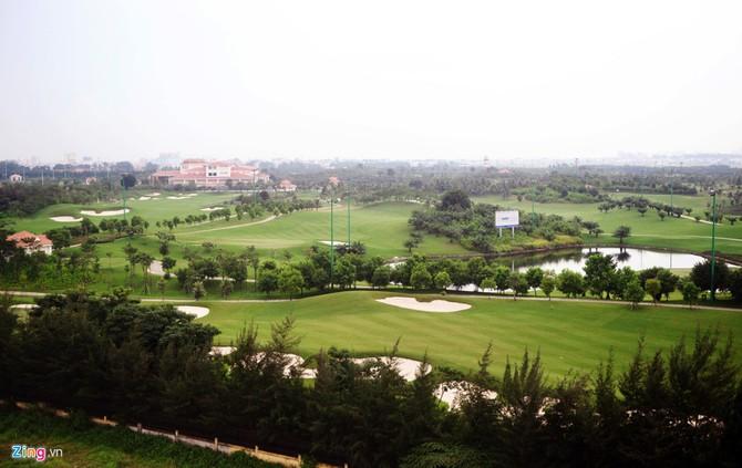 Can canh san golf sat duong bang Tan Son Nhat hinh anh 3