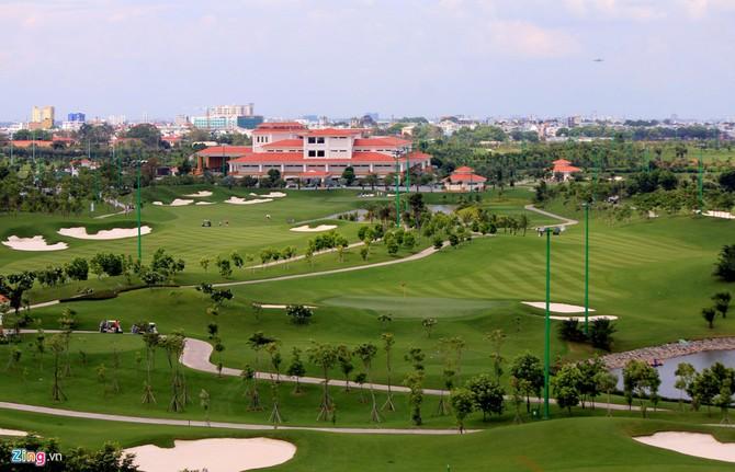 Can canh san golf sat duong bang Tan Son Nhat hinh anh 4