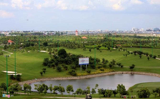 Can canh san golf sat duong bang Tan Son Nhat hinh anh 6