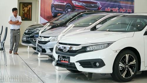 Thị trường ô tô lao dốc trong 'bão' giảm giá - ảnh 4