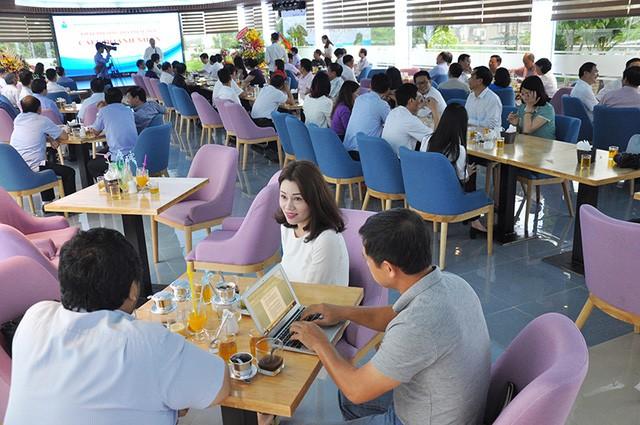 Quang cảnh buổi khai trương địa điểm mới của chương trình cafe doanh nhân mới đây tại Quảng Ninh