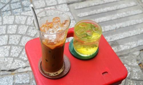 Ly cà phê sữa đá vị vừa có giá 47.000 đồng. Ảnh: Phong Vinh.