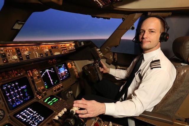 Mức thu nhập bình quân của một phi công dân sự có thể rơi vào khoảng 81.000 USD một năm.