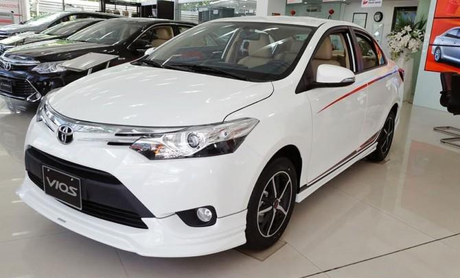 Toyota Camry,ô tô giảm giá,ô tô Toyota,ô tô Nhật,giá ô tô,xe lắp ráp trong nước,Toyota Vios