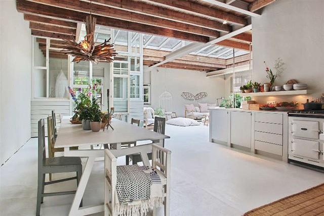 Ngôi nhà trắng đẹp như tranh vẽ với những góc nhà lung linh chẳng khác gì studio - Ảnh 10.