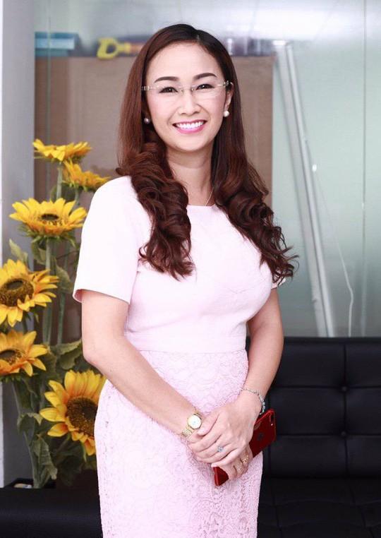 CEO Trần Thị Cẩm Tú: là phụ nữ, ai cũng muốn được quà - Ảnh 2.