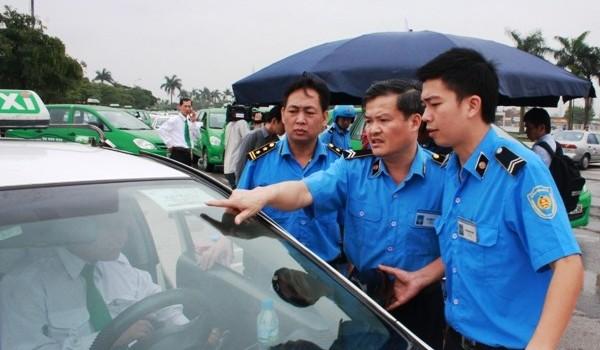 Bộ trưởng Thăng gạt đề xuất cấp súng cho thanh tra giao thông