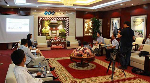 Đài Phát thanh Truyền hình Nhật Bản NHK làm việc với FLC