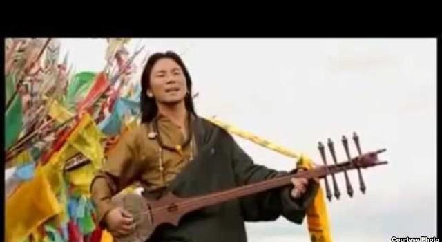 An ninh Trung Quốc bắt một ca sĩ Tây Tạng nổi tiếng
