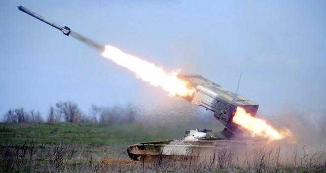 """Dàn hỏa lực hạng nặng TOS-1 trên xe tăng của Nga """"nguy hiểm"""" cỡ nào?"""