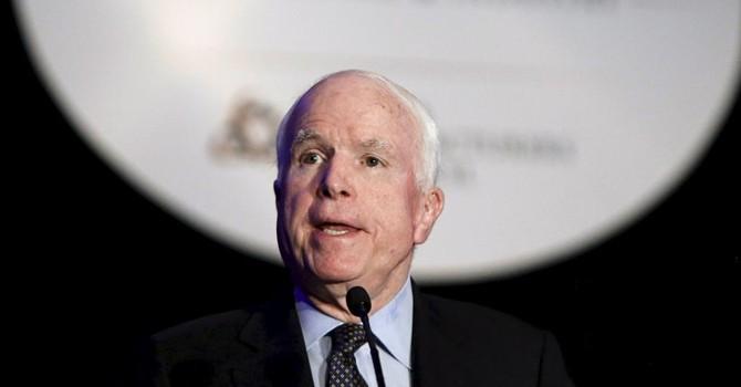 """Ông McCain âm thầm hậu thuẫn ông Obama """"chơi"""" Trung Quốc ở Biển Đông"""
