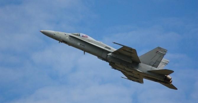 Báo Nga: Trung Quốc phải kiềm chế vụ chiến đấu cơ Mỹ hạ cánh ở Đài Loan