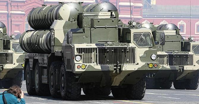 """Bán tên lửa S-300 cho Iran, ông Putin nhanh tay """"ra đòn"""" với Mỹ"""