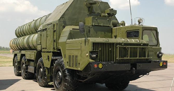 """Ngoại trưởng Iran hoan nghênh việc Nga bán """"siêu"""" tên lửa S-300"""