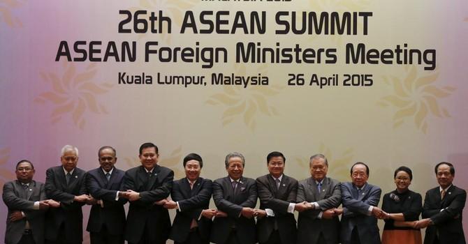 """Manila kêu gọi ASEAN chống việc Trung Quốc sắp """"nuốt"""" Biển Đông"""
