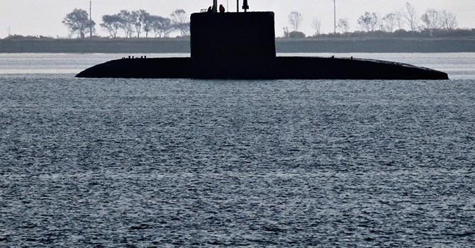 """Lính Phần Lan nã đạn vào """"tàu ngầm lạ"""" ở vùng biển gần Helsinki"""