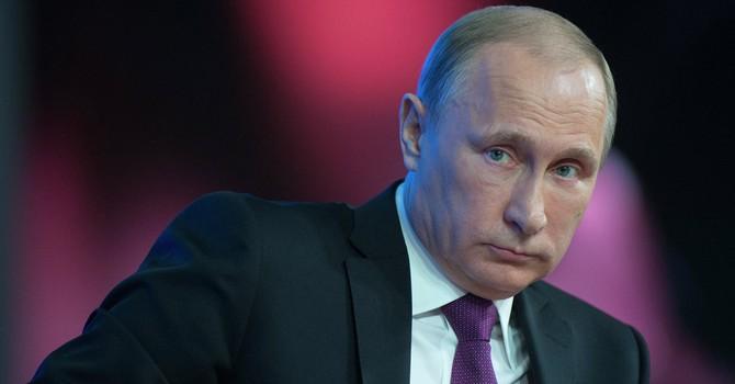 Ukraine áp lệnh trừng phạt chống Tổng thống Nga Putin