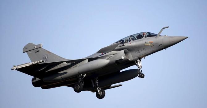 Pháp bán 24 chiến đấu cơ Rafale cho Qatar