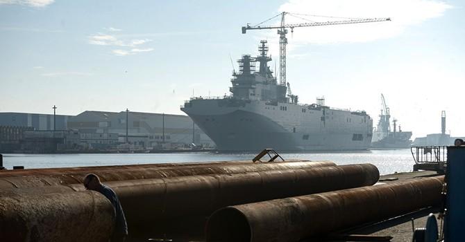 Pháp muốn đánh đắm các tàu Mistral của Nga?