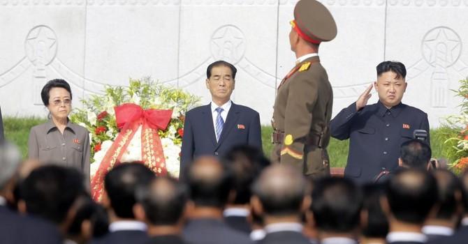 Kim Jong Un âm mưu đầu độc cô ruột?