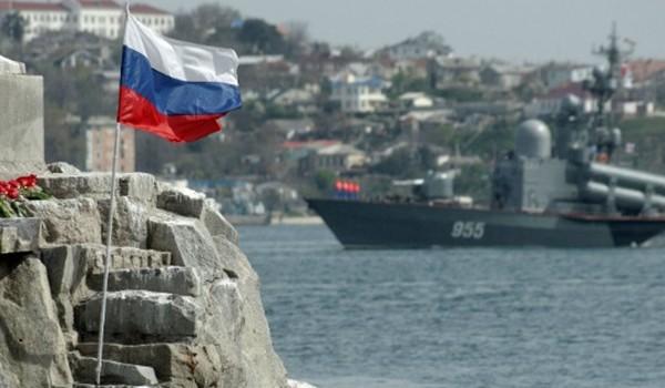 """Moscow dọa tăng lực lượng ở Crimea để """"chơi"""" NATO"""