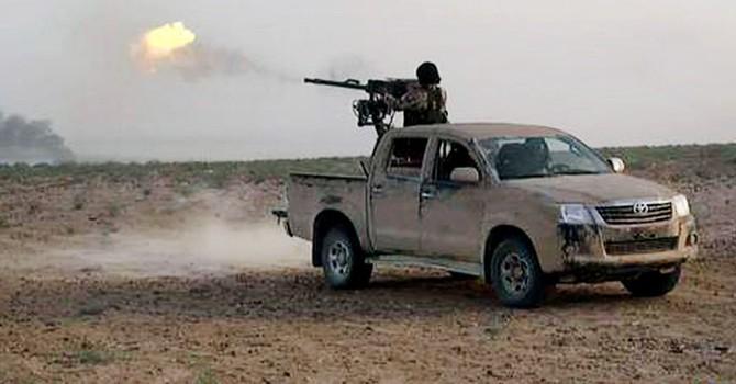 """Đội quân tinh nhuệ Iraq do Hoa Kỳ đào tạo cũng """"chào thua"""" IS"""