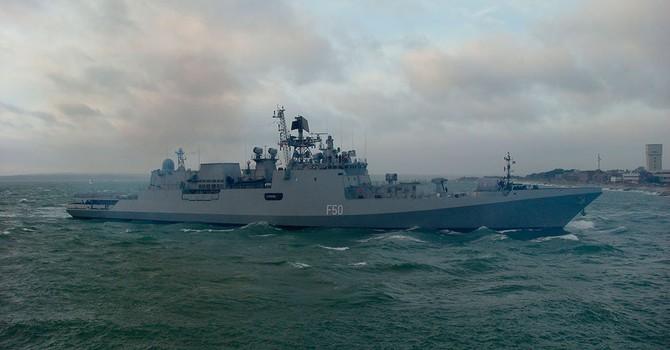 Ấn Độ cũng điều tàu chiến đến Biển Đông