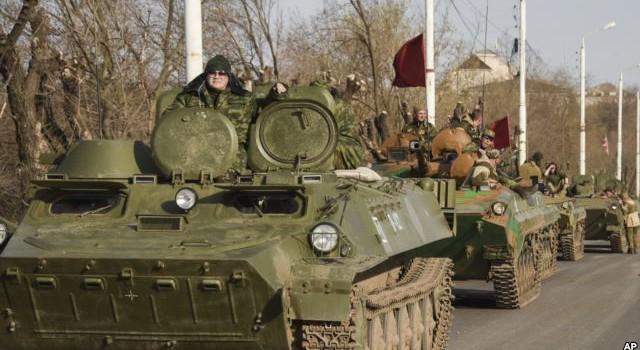 """Điện Kremlin """"né"""" câu hỏi có phải Nga tăng mạnh quân gần Ukraine"""