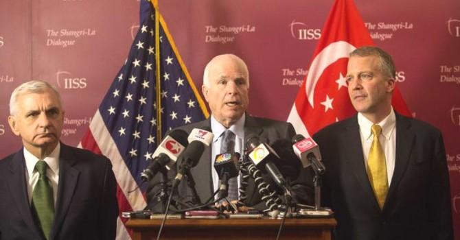 Ông John McCain muốn Mỹ cấp vũ khí phòng thủ cho Việt Nam