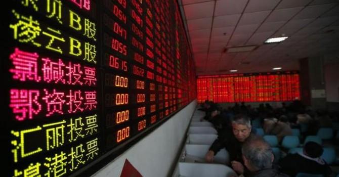 """Báo Pháp: Bắc Kinh """"tô son trát phấn"""" để che lấp sự bối rối"""