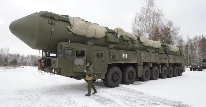 """Moscow dọa dùng vũ khí hạt nhân để chống """"kỷ nguyên mới của Mỹ"""""""