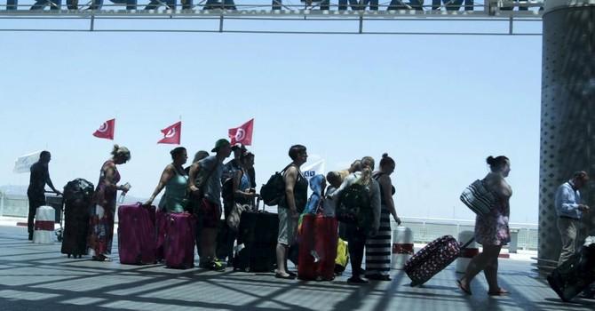 Nước Anh bàng hoàng sau vụ khủng bố ở Tunisia