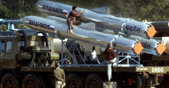 """Tên lửa BrahMos của Nga - Ấn """"không có đối thủ cạnh tranh"""""""