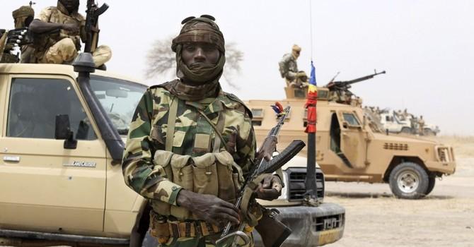 """Boko Haram đăng video giết người """"học"""" theo IS"""