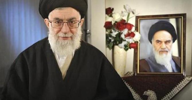 """Iran: Tổng thống muốn """"mở cửa"""", lãnh tụ tối cao tuyên bố chống Mỹ!"""