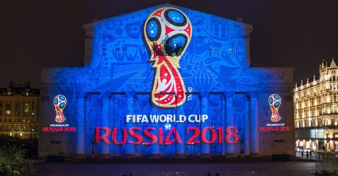Ông Putin, Blatter và khoảng 3.000 người tham dự lễ bốc thăm vòng loại World Cup 2018