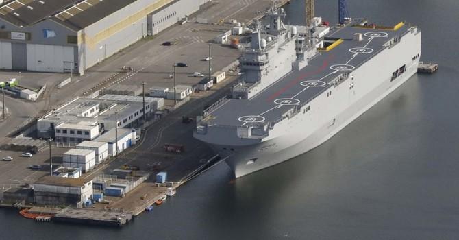 Nga cử chuyên gia sang Pháp tháo thiết bị liên lạc trên tàu Mistral